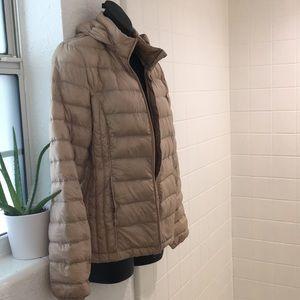 NWOT light weight down feather puffer jacket